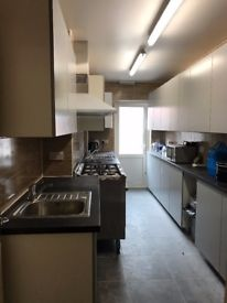 NEW decoration house near by BRUCE GROVE station EN-SUIT double room