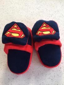 Kids sz10-12 Stompeez superman slippers