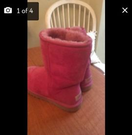 Authentic UGG boots uk7.5